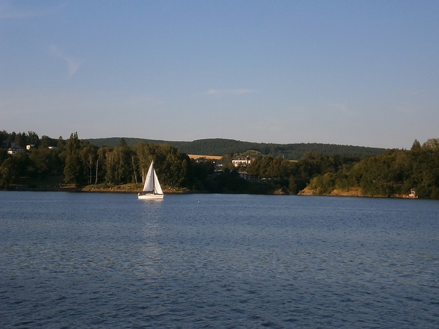 jezero, loďka