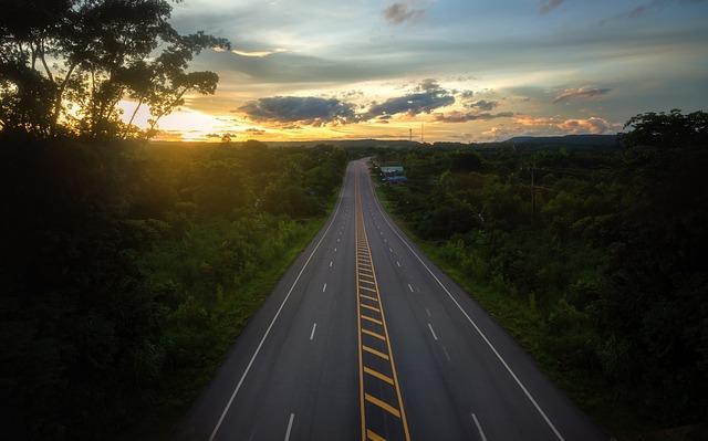 asfaltová silnice.jpg