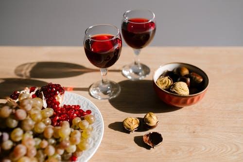 Červené víno v rozumné míře prospívá zdraví – Víte, proč si dát skleničku denně?